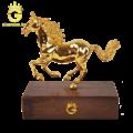 Tượng ngựa mạ vàng 24k, quà tặng quý linh tuổi ngọ