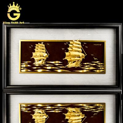 Tranh đôi thuyền buồm dát vàng, quà tặng tân gia độc đáo ý nghĩa