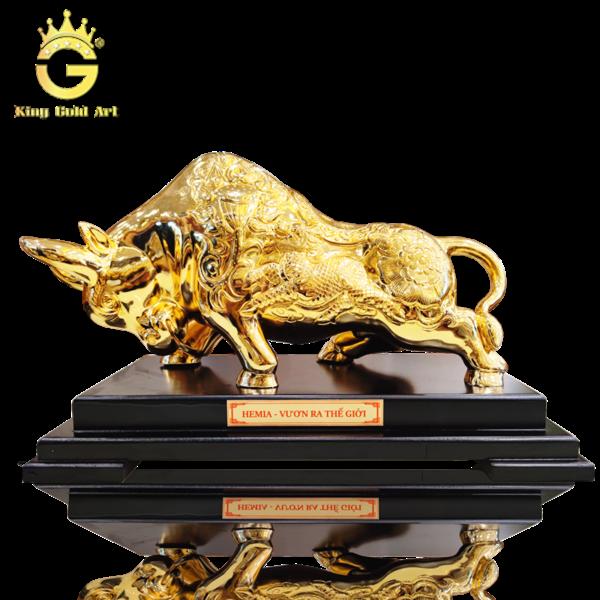 Tượng bò tài chính đồng mạ vàng 24k