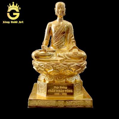 Tượng Trần Nhân Tông bằng đồng mạ vàng