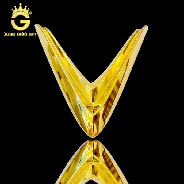 Làm logo Vinfast dát vàng 24k sang trọng đẳng cấp