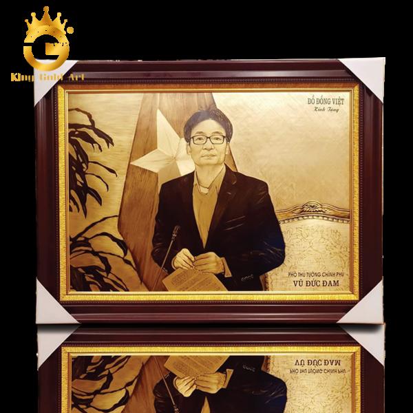 Nghệ nhân King Gold Art làm tranh truyền thần tặng Phó Thủ Tướng Vũ Đức Đam