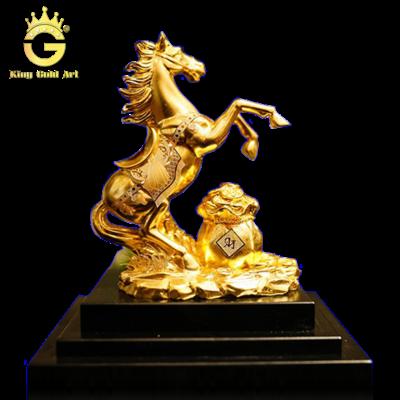 Quà tặng tượng ngựa phi nước đại mạ vàng 24k
